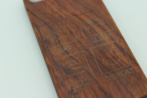 Handy Hülle aus Echtholz für Apple Telefone - Eat Sleep Race Repeat
