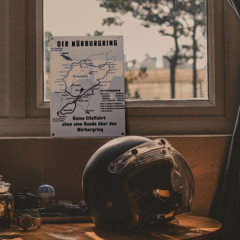 Historisches Schild vom Nürburgring aus Emaille